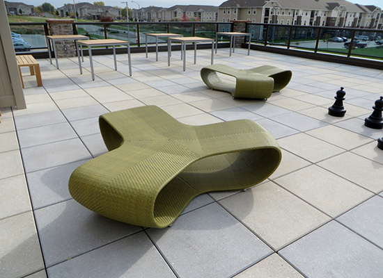 roof-top-deck-green-loungers